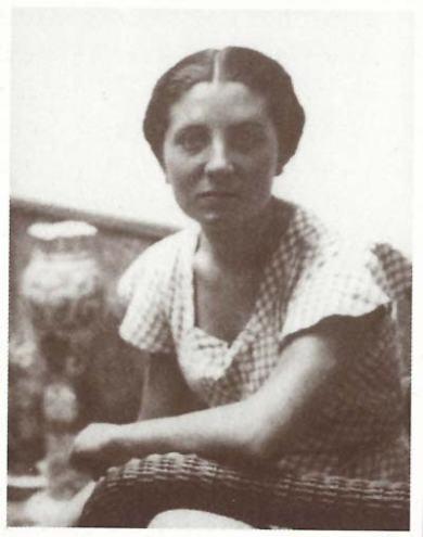 Fotografía de juventud de Ángeles Santos Torroella.